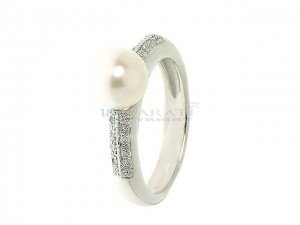 Bague en or, perle de culture et diamants 0.15ct